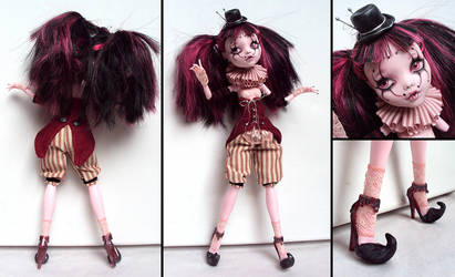 Circusgirl - Monster High Draculaura Custom by fuchskauz