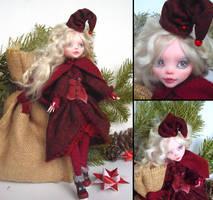 Yule elf - Monster High Draculaura custom by fuchskauz