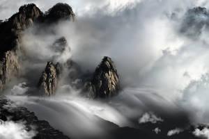 Huang Shan Mountain DANCING CLOUDS by SAMLIM