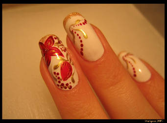 Red flower -nail-art by Shangova