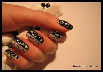 blackANDwhite love-6 -nail-art by Shangova