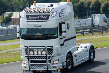 White-daf-xf-105-460-free-high-resolution-truck-pi by casparjagerman20