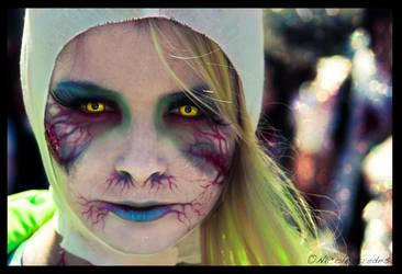 Zombie Time by uialwen