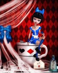 Teacup Alice by RavenMoonDesigns