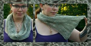 Grey dropped stitch cowl by KnitLizzy