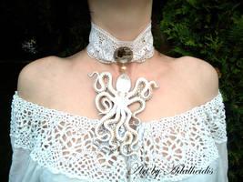 White octopus necklace by adalheidis