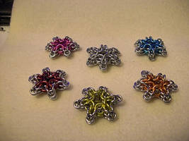 Chainmaille Snowflakes by Ginkage