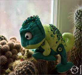 Rapunzel's chameleon by wooltoys-ru