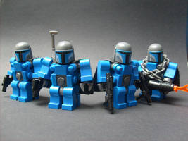 Armored Mandalorians by MeGustaKapusta