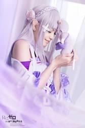 Emilia - Re:Zero by RomaiLee