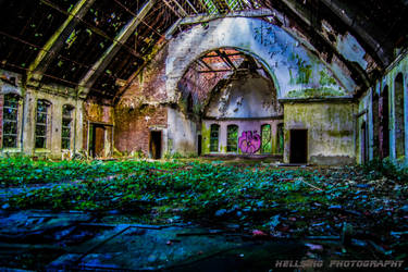Kirche by HellsingPhotography