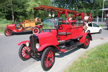 oldtimer fire engine kollumerland by damenster