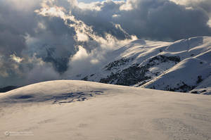 Cloudy Beaufortain by matthieu-parmentier