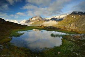 The Hidden Lake by matthieu-parmentier