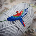 Red-and-green macaw necklace by szaranagayama