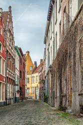 On the street - Gent II by ralucsernatoni