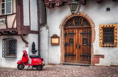 On the street by ralucsernatoni