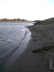 Shoreline by wolfen