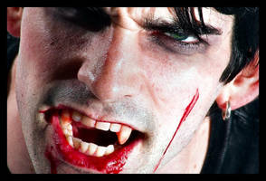 Vampire Bite by xola-mai