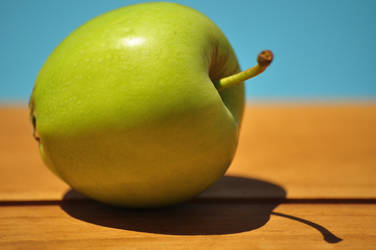 Greeeen Apple by Combative