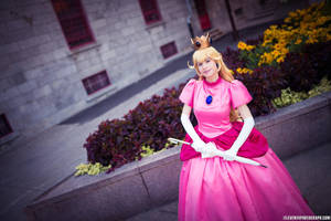 Princess Peach in the Courtyard by straywind