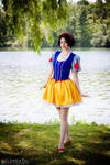 Snow White Lolita by straywind