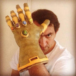 Thanos infinity gauntlet papercraft  by enigmael