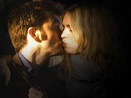 The Tenth Doctor and Rose Kiss by Nyah86