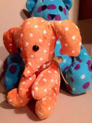 Oscar, the sad little elephant by littlerobin87