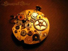 Mechanical pendant by Santa-Evita