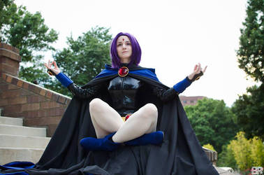Raven Meditating by ChelzorTheDestroyer