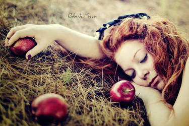 Snow white with red hair by thebestfeeling