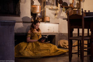 Belle Cosplay by Solipsis79