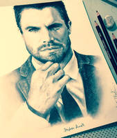 Stephen Amell by thefrenchberet