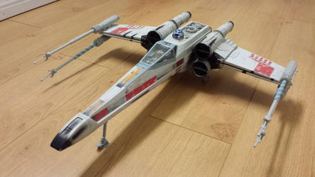 Electronic Power F/X Luke's Red Five X-Wing 02 by WozNick