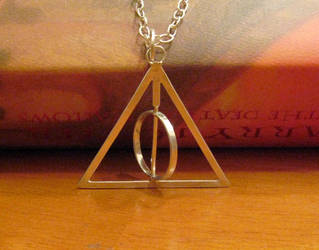 Deathly Hallows Spinning Neckl by Peaceofshine