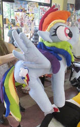 Rainbow Dash Plushie by lumakesplushies