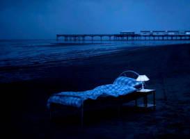 bed on beach by jo60