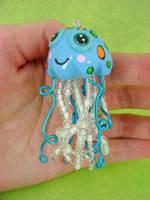 Seabreeze Jellyfish by monsterkookies