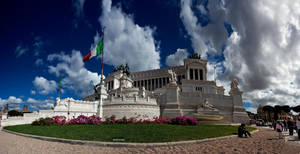 Monumento Nazionale by uurthegreat