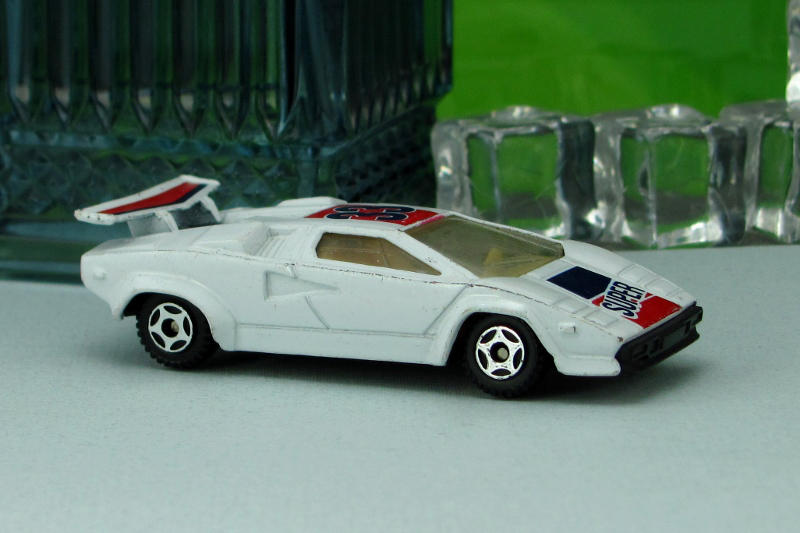 1985 Lamborghini Countach White Soma By Deanomite17703 On Deviantart