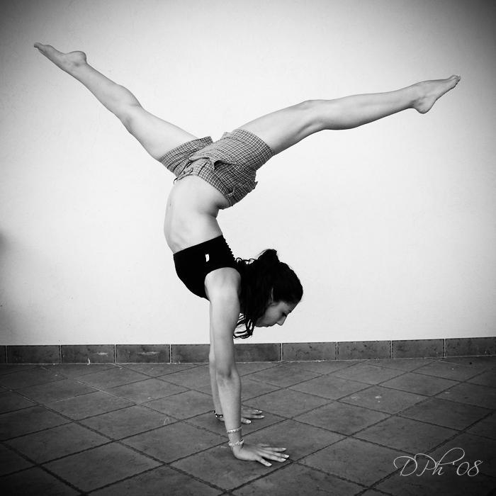 she's a dancer by violetda