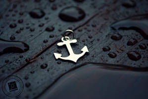 Anchor Charm by mariesturges