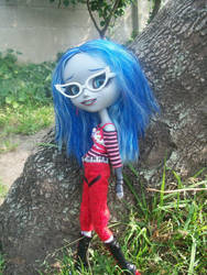 pullipish Ghoulia by izz8
