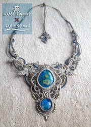 macrame necklace with fused glass of GEN by Akihi
