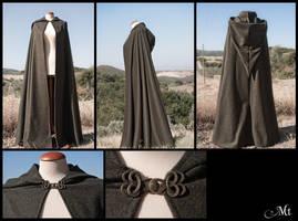 hobbit style cloak by MurielTailorcraft