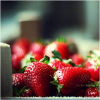 strawberry by estellamestella