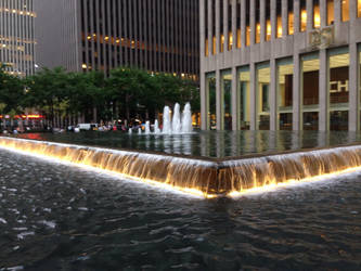 NYC: Just a little (amazing) fountain. by Tri10