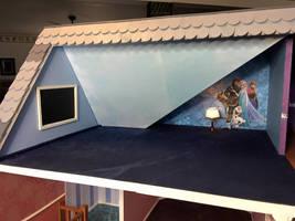 Frozen playroom! by Intrinsicat