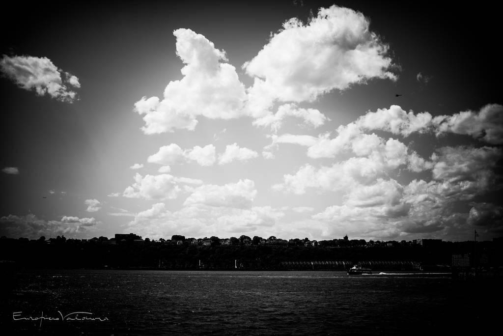 Hudson Sky by EddieMW